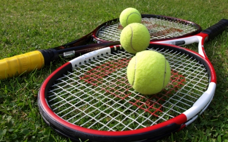 tennis-balls-and-rackets